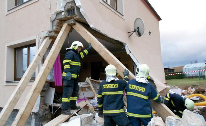 Inspektoři nemovitostí vloni odhalili závady za 450 milionů korun
