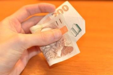 Jak nám pomohou recenze půjček předtím, než si půjčíme?