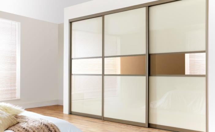 Jak by měla vypadat moderní vestavěná skříň